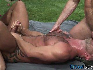 Muscly gay threeway spunk