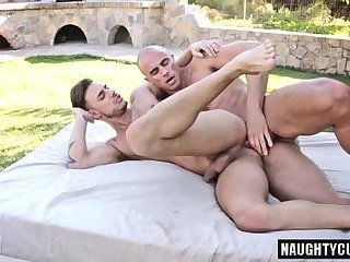 Big dick gay outdoor with cum swap