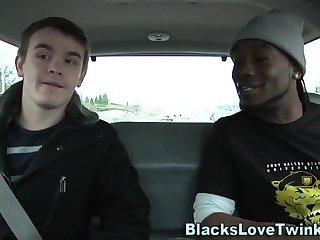 Twink rides black dong