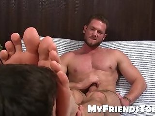 Aceera gets his feet licked, massaged and worship by kinky dude